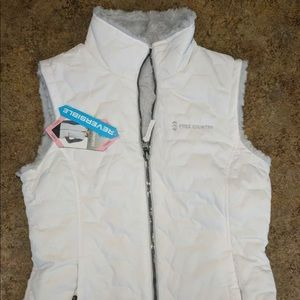 Reversible Free Country vest